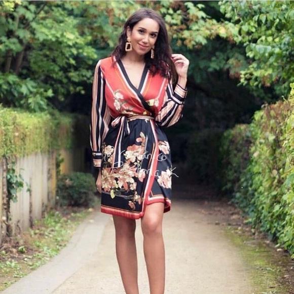 6ec6a5b7 Zara Dresses   Contrast Print Dress   Poshmark